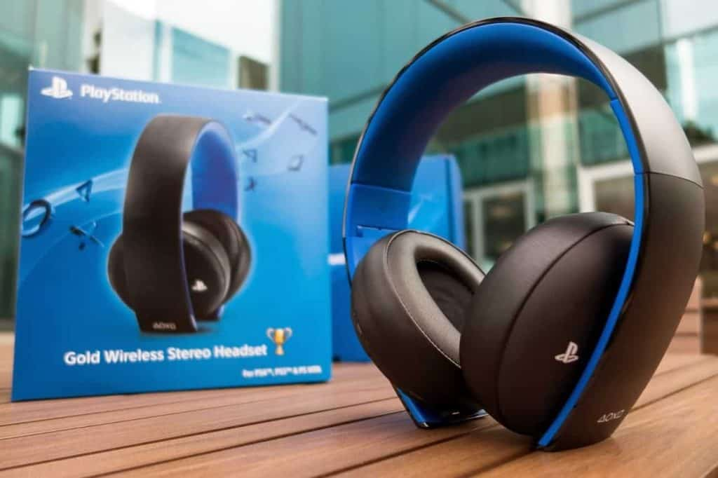 Gold Headset PlayStation 4 Accessories