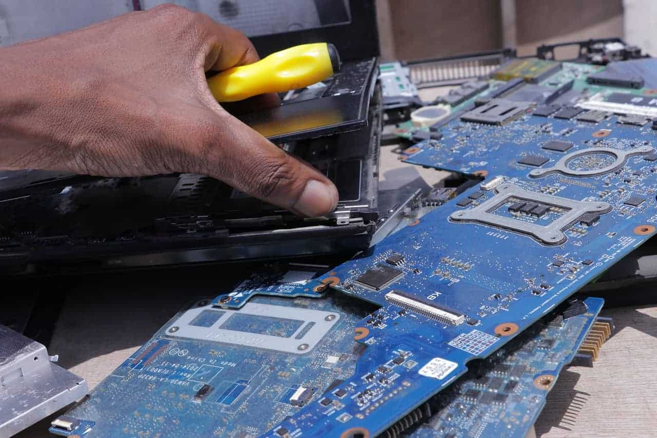 computer technician to maintain your video game pc
